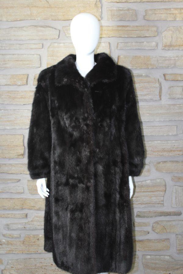 Manteau de fourrure en vison teint noir